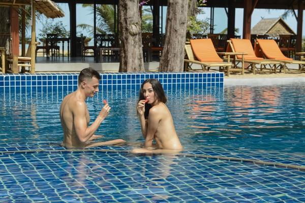 Swimming Pool Naturist